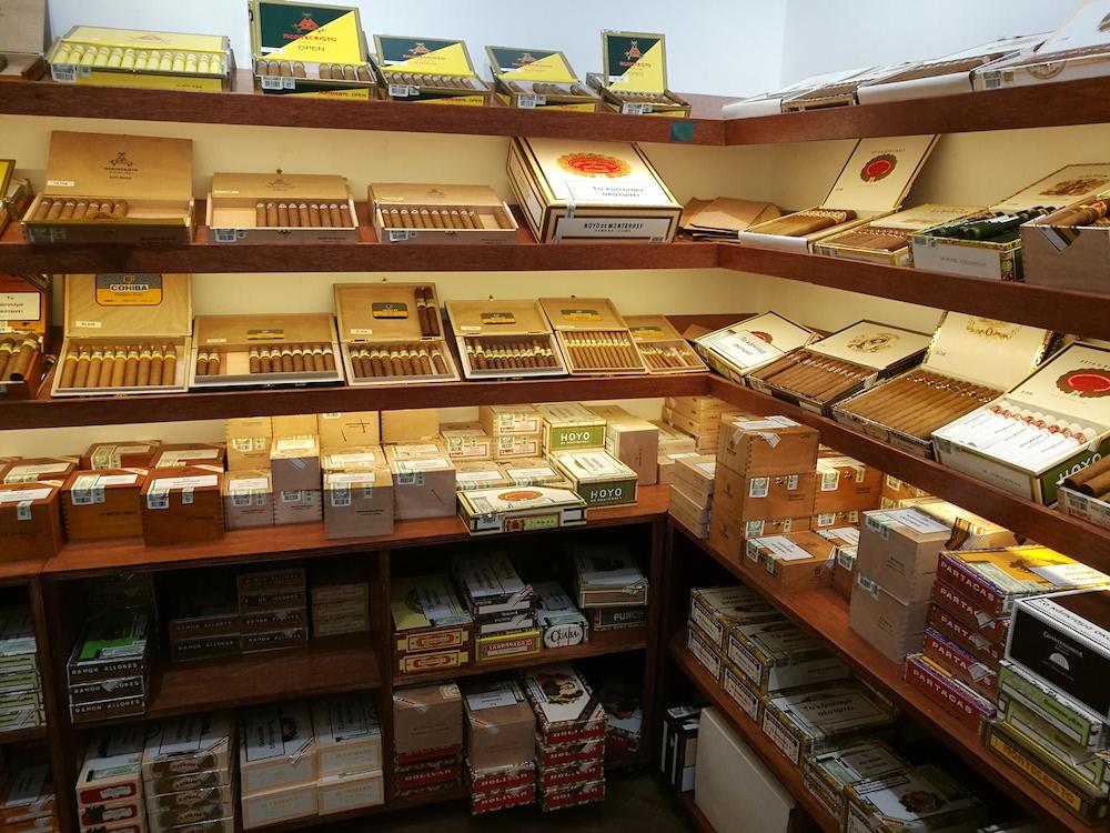 miamys-cigar-shop-athenes